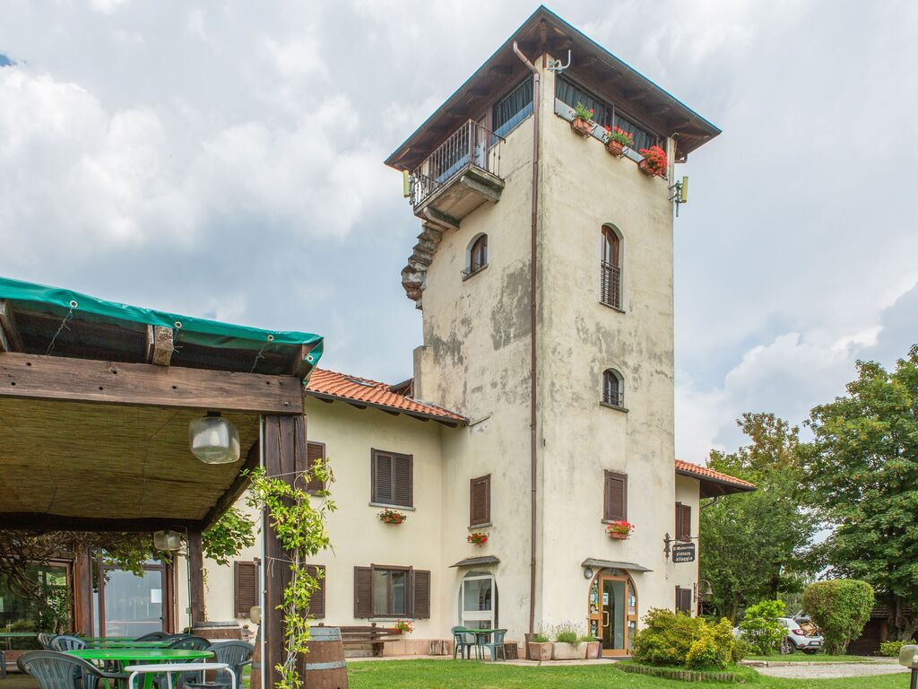 Ferienhaus Geräumiger Bauernhof in Verbania mit Garten (456979), Pallanza, Lago Maggiore (IT), Piemont, Italien, Bild 2
