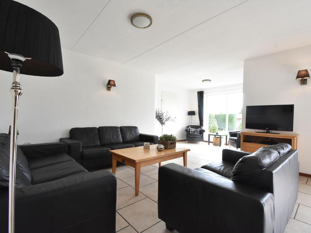 Ferienhaus Moderne Villa in der Nähe des Waldes in Zeewolde (454851), Zeewolde, , Flevoland, Niederlande, Bild 4