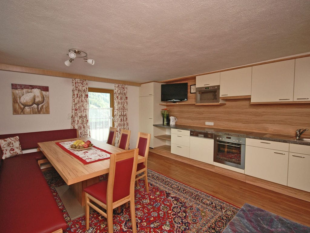 Ferienwohnung Großzügiges Apartment in der Nähe des Skigebiets in Kappl (462613), Kappl, Paznaun - Ischgl, Tirol, Österreich, Bild 8