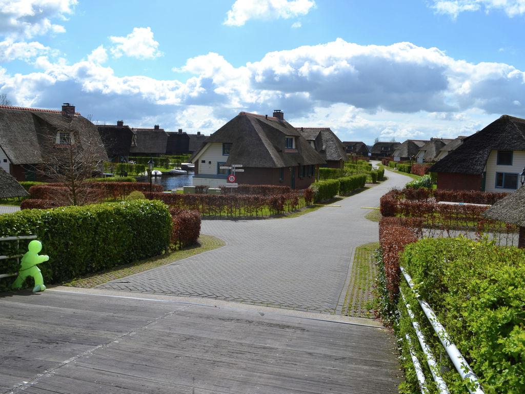 Ferienhaus Stilvoll reetgedeckte Villa mit 2 Badezimmern bei Giethoorn (222554), Dinxterveen, Kop van Overijssel, Overijssel, Niederlande, Bild 22