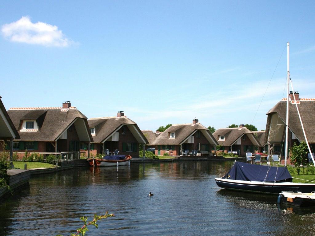 Ferienhaus Stilvoll reetgedeckte Villa mit 2 Badezimmern bei Giethoorn (221351), Dinxterveen, Kop van Overijssel, Overijssel, Niederlande, Bild 23