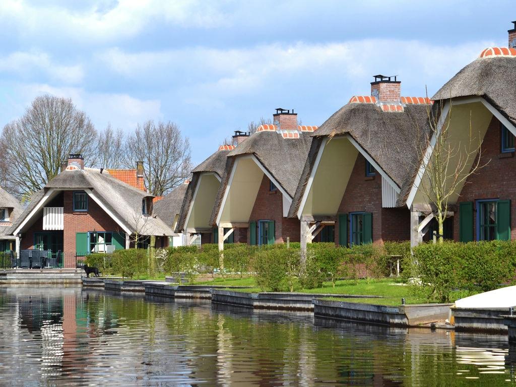 Ferienhaus Stilvoll reetgedeckte Villa mit 2 Badezimmern bei Giethoorn (221351), Dinxterveen, Kop van Overijssel, Overijssel, Niederlande, Bild 25