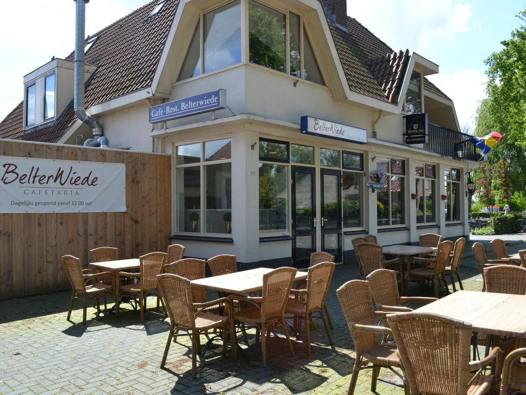 Ferienhaus Stilvoll reetgedeckte Villa mit 2 Badezimmern bei Giethoorn (221351), Dinxterveen, Kop van Overijssel, Overijssel, Niederlande, Bild 17