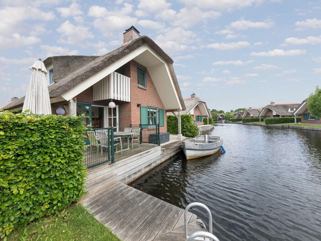 Ferienhaus Stilvoll reetgedeckte Villa mit 2 Badezimmern bei Giethoorn (221351), Dinxterveen, Kop van Overijssel, Overijssel, Niederlande, Bild 1