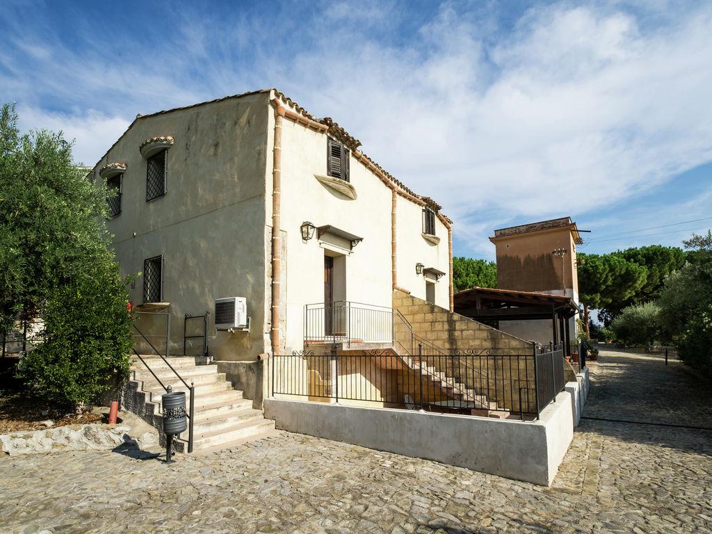 Holiday house Gemütliches Ferienhaus mit Swimmingpool in Santa Flavia (500700), Santa Flavia, Palermo, Sicily, Italy, picture 2