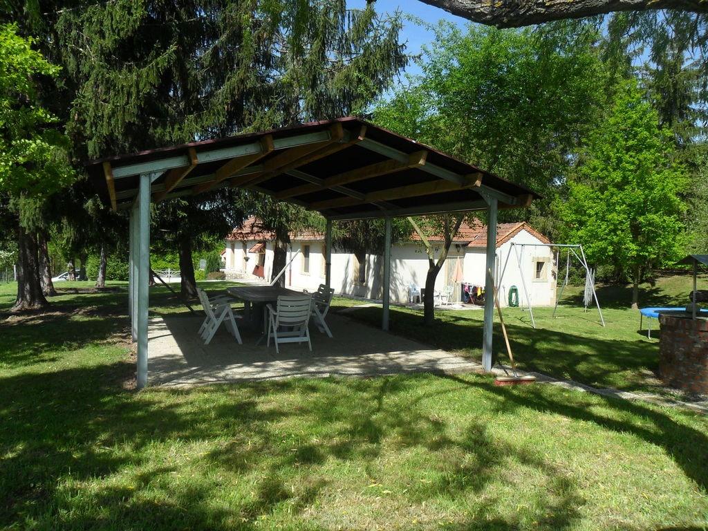 Ferienhaus Gemütliches Ferienhaus in Vieure mit großem Garten (487121), Cosne d'Allier, Allier, Auvergne, Frankreich, Bild 15
