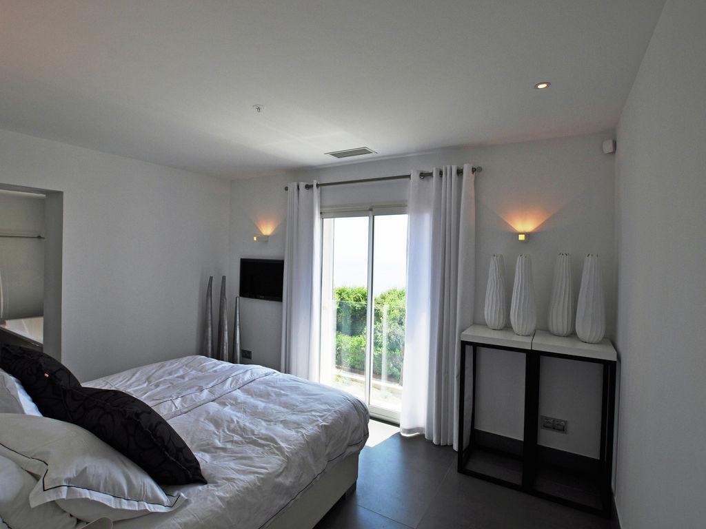 Ferienhaus Luxuriöse Villa in Roquebrune-sur-Argens mit Pool (493036), Les Issambres, Côte d'Azur, Provence - Alpen - Côte d'Azur, Frankreich, Bild 17