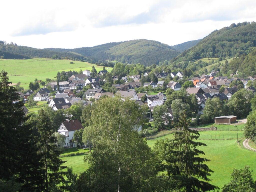 Ferienhaus Geräumiges Ferienhaus im Sauerland mit Garten und Spielscheune (498795), Hallenberg, Sauerland, Nordrhein-Westfalen, Deutschland, Bild 32