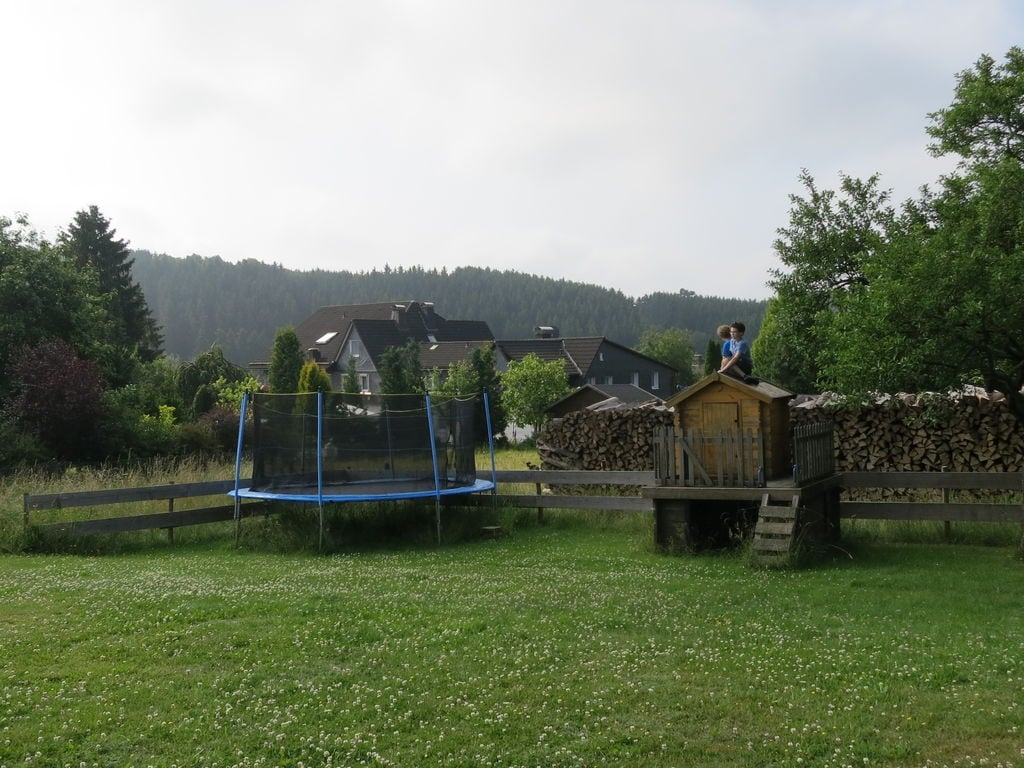 Ferienhaus Geräumiges Ferienhaus im Sauerland mit Garten und Spielscheune (498795), Hallenberg, Sauerland, Nordrhein-Westfalen, Deutschland, Bild 27