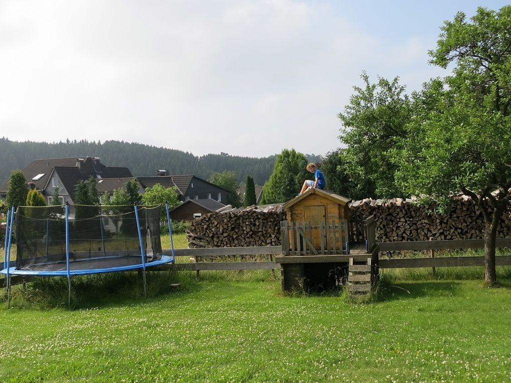 Ferienhaus Geräumiges Ferienhaus im Sauerland mit Garten und Spielscheune (498795), Hallenberg, Sauerland, Nordrhein-Westfalen, Deutschland, Bild 28