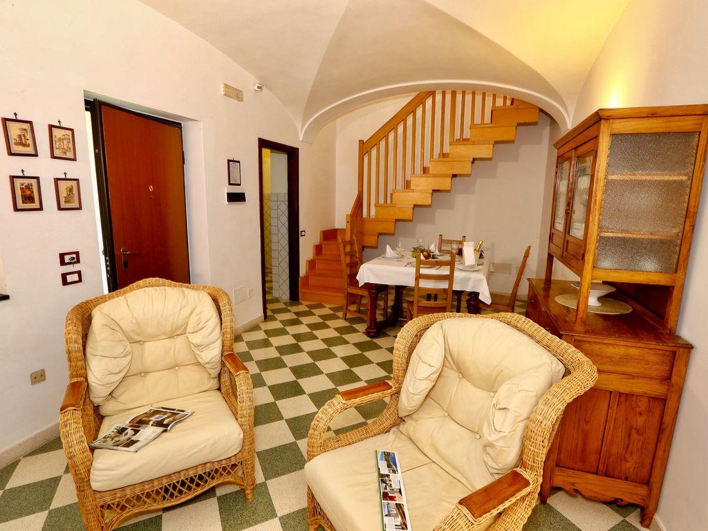 Ferienhaus Geräumiges Ferienhaus in San Cipriano Picentino mit Terrasse (495321), San Cipriano Picentino, Salerno, Kampanien, Italien, Bild 14