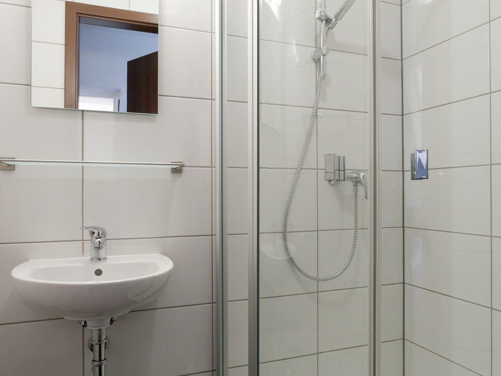 Ferienhaus Luxuriöse Villa mit Kamin bei einem Stausee in der Nordeifel (497577), Dahlem, Eifel (Nordrhein Westfalen) - Nordeifel, Nordrhein-Westfalen, Deutschland, Bild 11