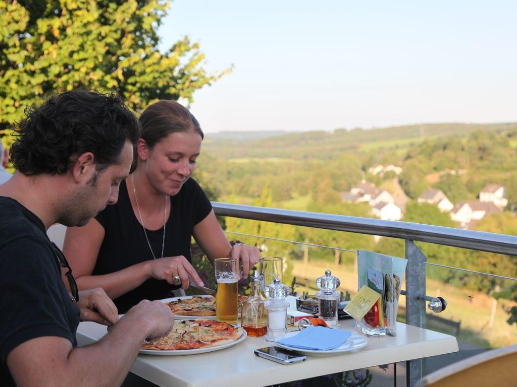 Ferienhaus Luxuriöse Villa mit Kamin bei einem Stausee in der Nordeifel (497577), Dahlem, Eifel (Nordrhein Westfalen) - Nordeifel, Nordrhein-Westfalen, Deutschland, Bild 15