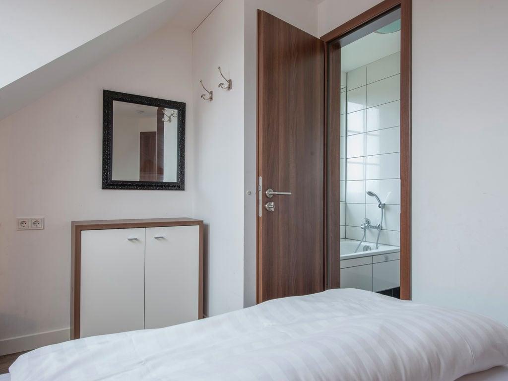 Ferienhaus Luxuriöse Villa mit Kamin bei einem Stausee in der Nordeifel (497577), Dahlem, Eifel (Nordrhein Westfalen) - Nordeifel, Nordrhein-Westfalen, Deutschland, Bild 10