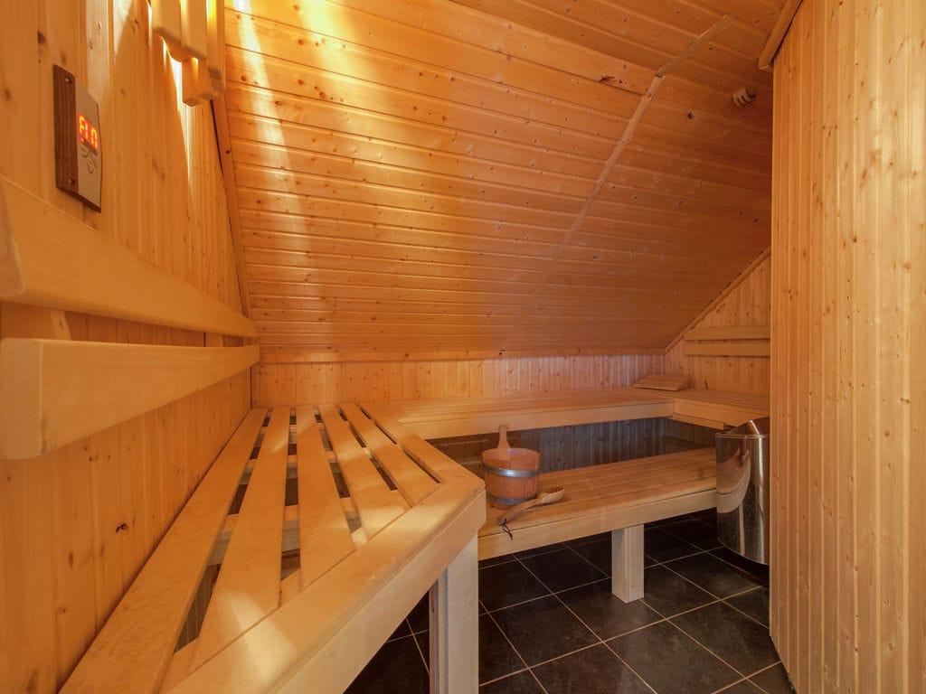 Ferienhaus Luxuriöse Villa mit Kamin bei einem Stausee in der Nordeifel (497565), Dahlem, Eifel (Nordrhein Westfalen) - Nordeifel, Nordrhein-Westfalen, Deutschland, Bild 11
