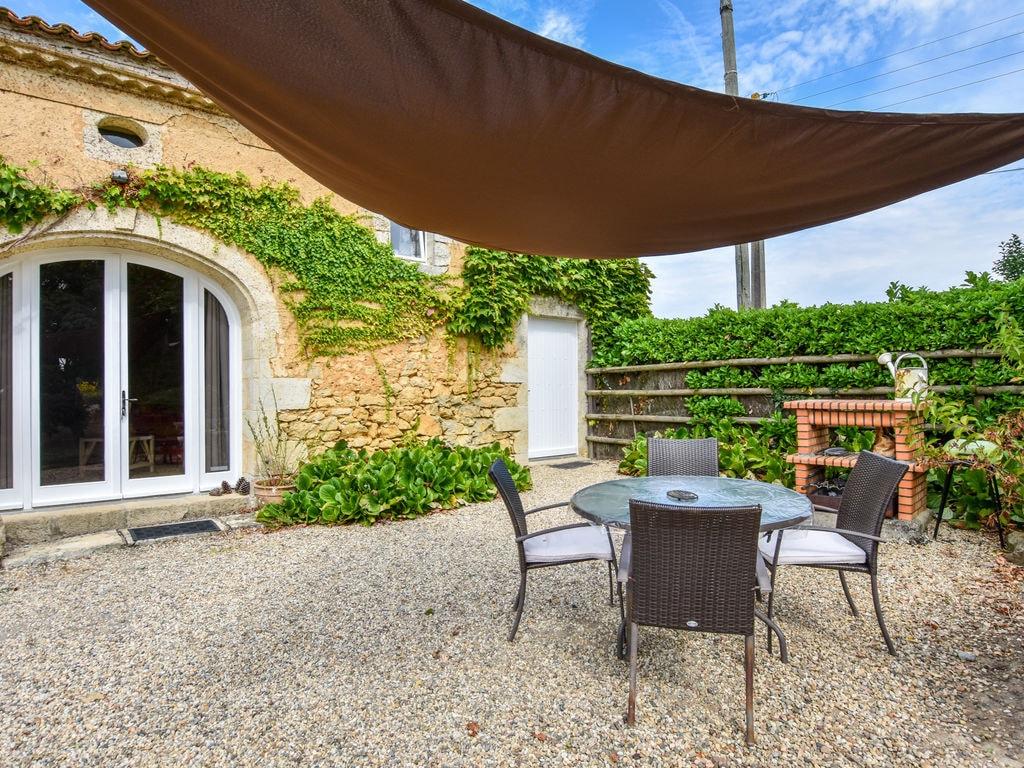 Maison de vacances Steinhaus inmitten eines Weinbergs, mit Swimmingpool, in der Nähe von Bordeaux (551317), Cadillac, Gironde, Aquitaine, France, image 3