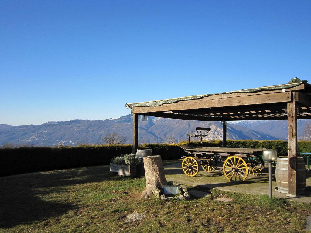 Ferienhaus Geräumiges Cottage in Intra mit Garten (597564), Pallanza, Lago Maggiore (IT), Piemont, Italien, Bild 15