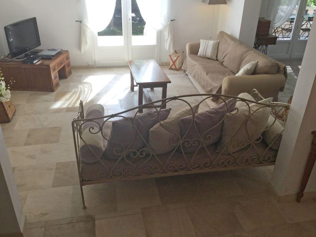 Holiday house Moderne Villa in Saumane-de-Vaucluse nahe dem Golfplatz (1404810), Saint Saturnin lès Avignon, Vaucluse, Provence - Alps - Côte d'Azur, France, picture 12
