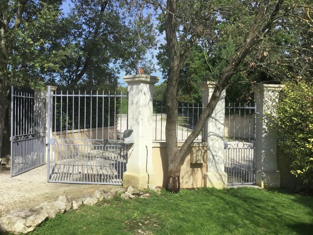 Holiday house Moderne Villa in Saumane-de-Vaucluse nahe dem Golfplatz (1404810), Saint Saturnin lès Avignon, Vaucluse, Provence - Alps - Côte d'Azur, France, picture 33