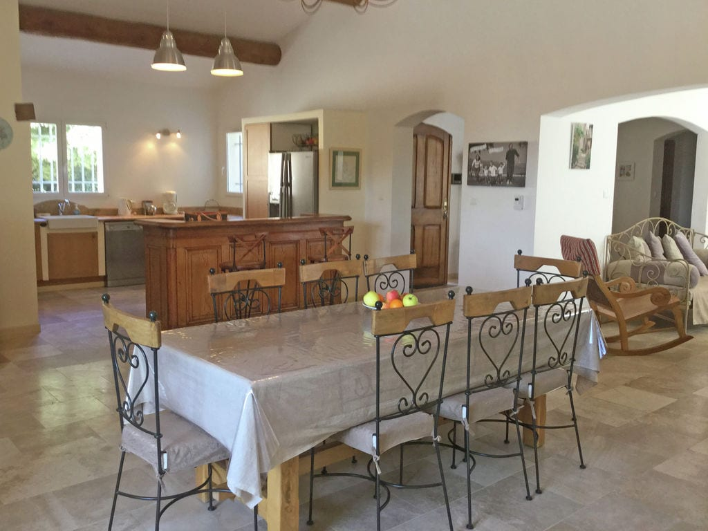 Holiday house Moderne Villa in Saumane-de-Vaucluse nahe dem Golfplatz (1404810), Saint Saturnin lès Avignon, Vaucluse, Provence - Alps - Côte d'Azur, France, picture 14