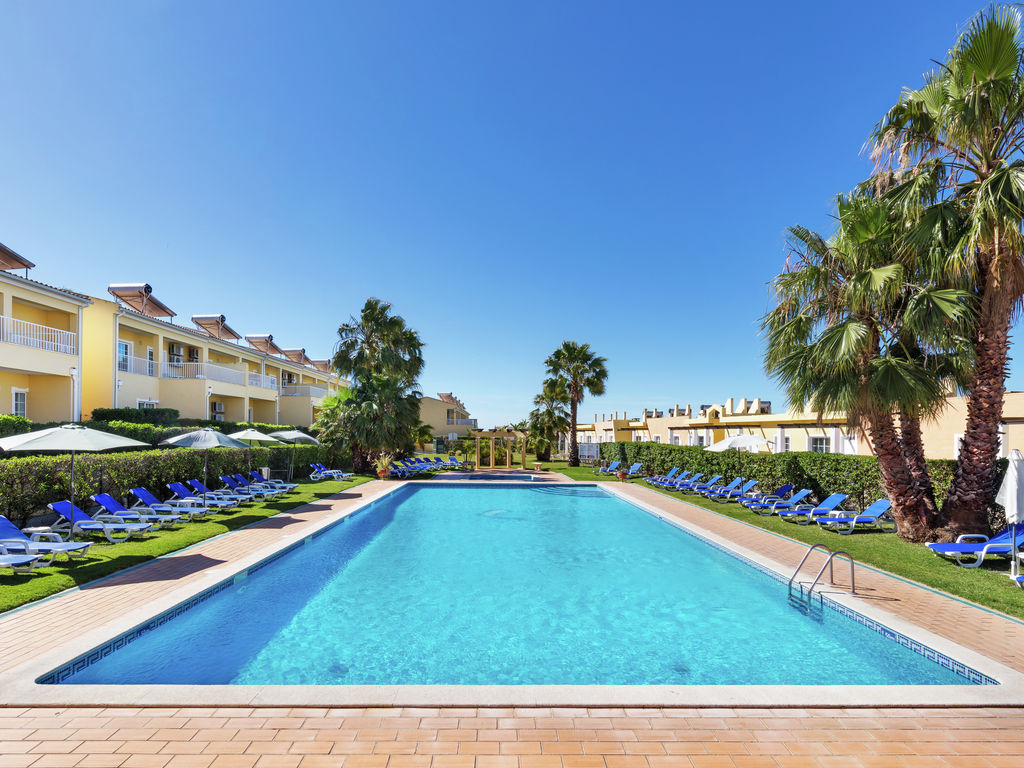 Luxury 2 bedroom apartments in Pera five minutes from Praia Grande beach