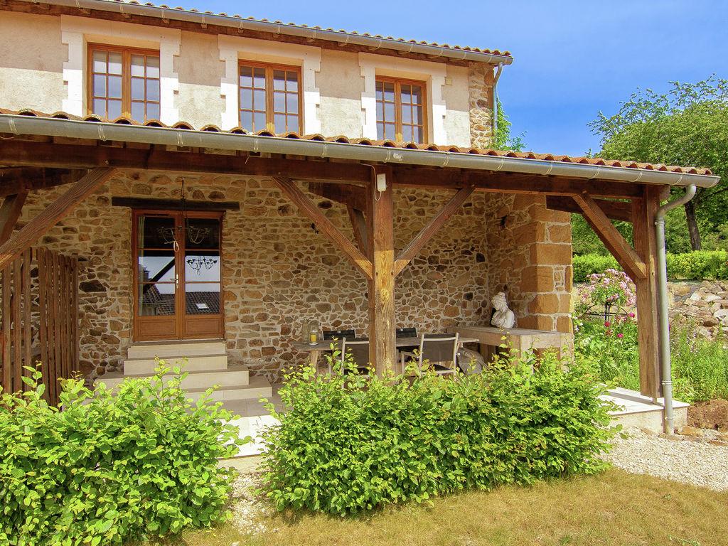Ferienhaus Wunderschönes Ferienhaus mit Terrasse in Roussines (591052), Cherves Châtelars, Charente, Poitou-Charentes, Frankreich, Bild 4