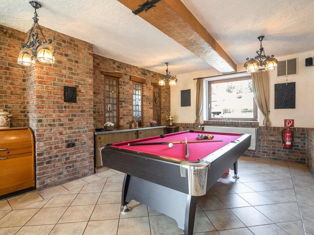 Idyllisches Ferienhaus in Schleiden mit Bar Ferienhaus in der Eifel