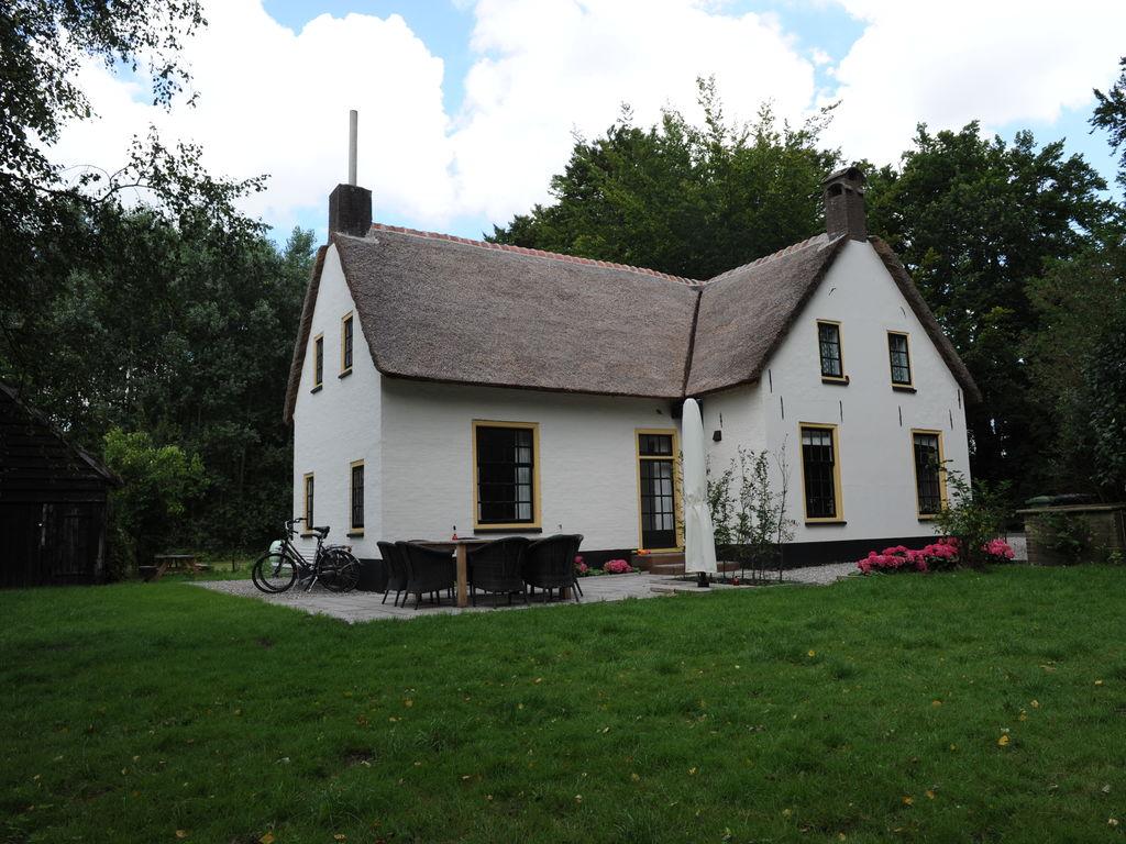 Ferienhaus Denkmalgeschütztes Ferienhaus in Beesd in Waldnähe (645012), Beesd, Rivierenland, Gelderland, Niederlande, Bild 1