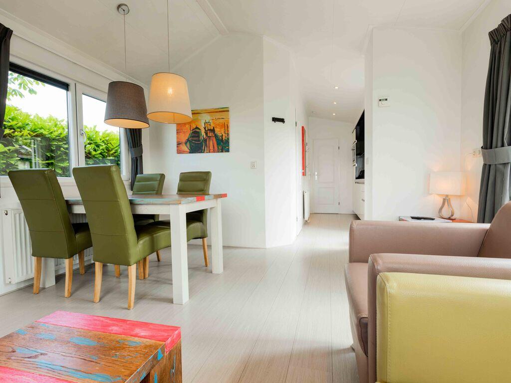 Ferienhaus Gut ausgest. Chalet mit Garten, in wasserreicher Gegend (626332), Aalst (NL), Rivierenland, Gelderland, Niederlande, Bild 3