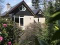 Charmantes Haus mit Kamin und Garten im Wald