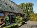 Malerisches Bauernhaus in Eede mit Blick auf die Obstgärten