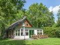 Schönes Haus mit viel Privatsphäre umgeben von Wäldern