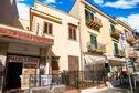 Meer info: Vakantiehuizen  Appartamento in piazza a Mondello Palermo