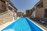 Apartment Complex Valtrazza with Common Pool Apartment Fiorela I in Villa Valtrazza on the Ground Floor with Shared Pool