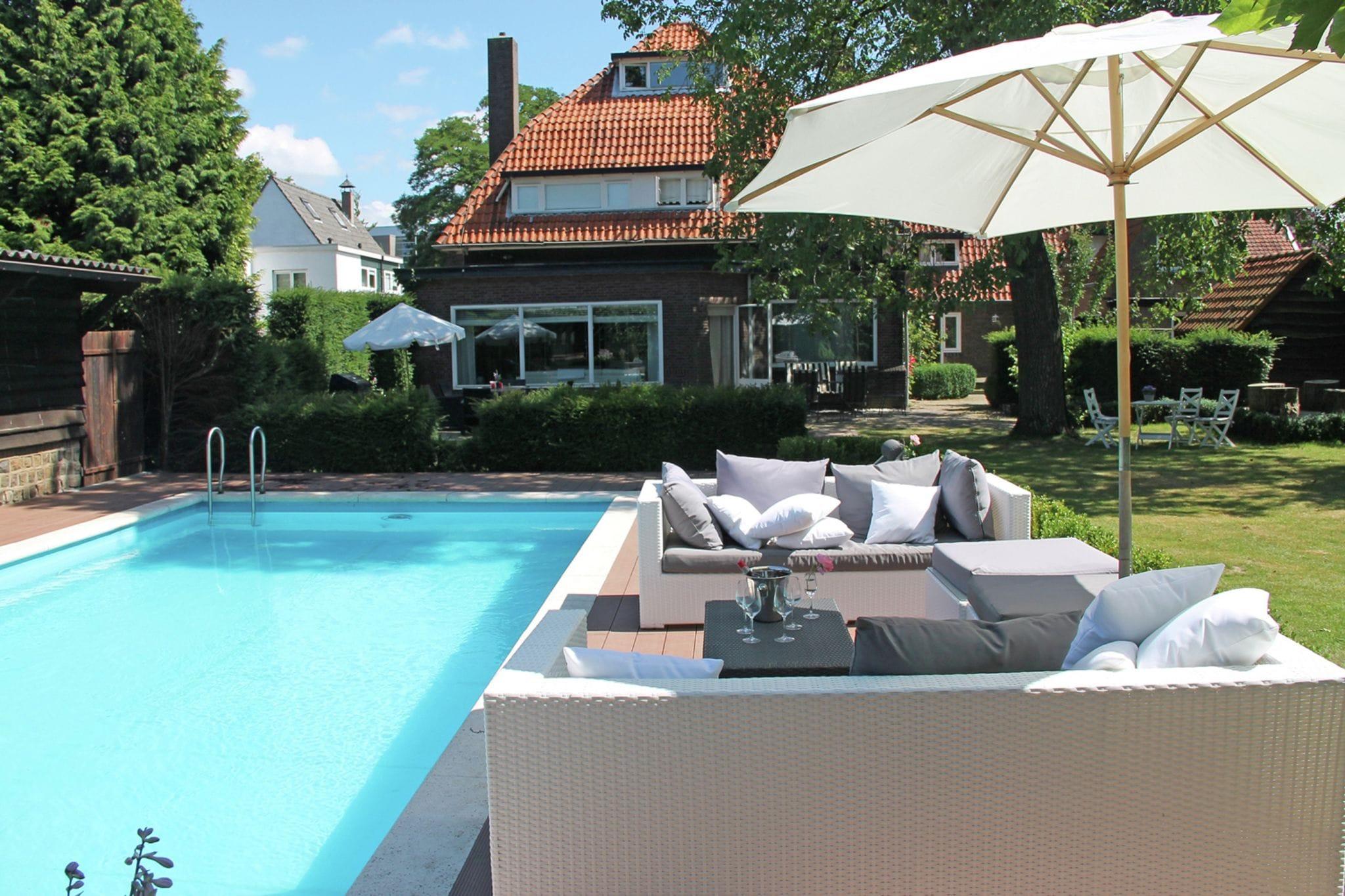 Villa Helmond 12p