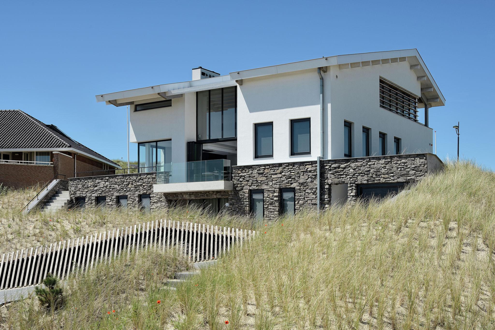 De Strandhuisvilla