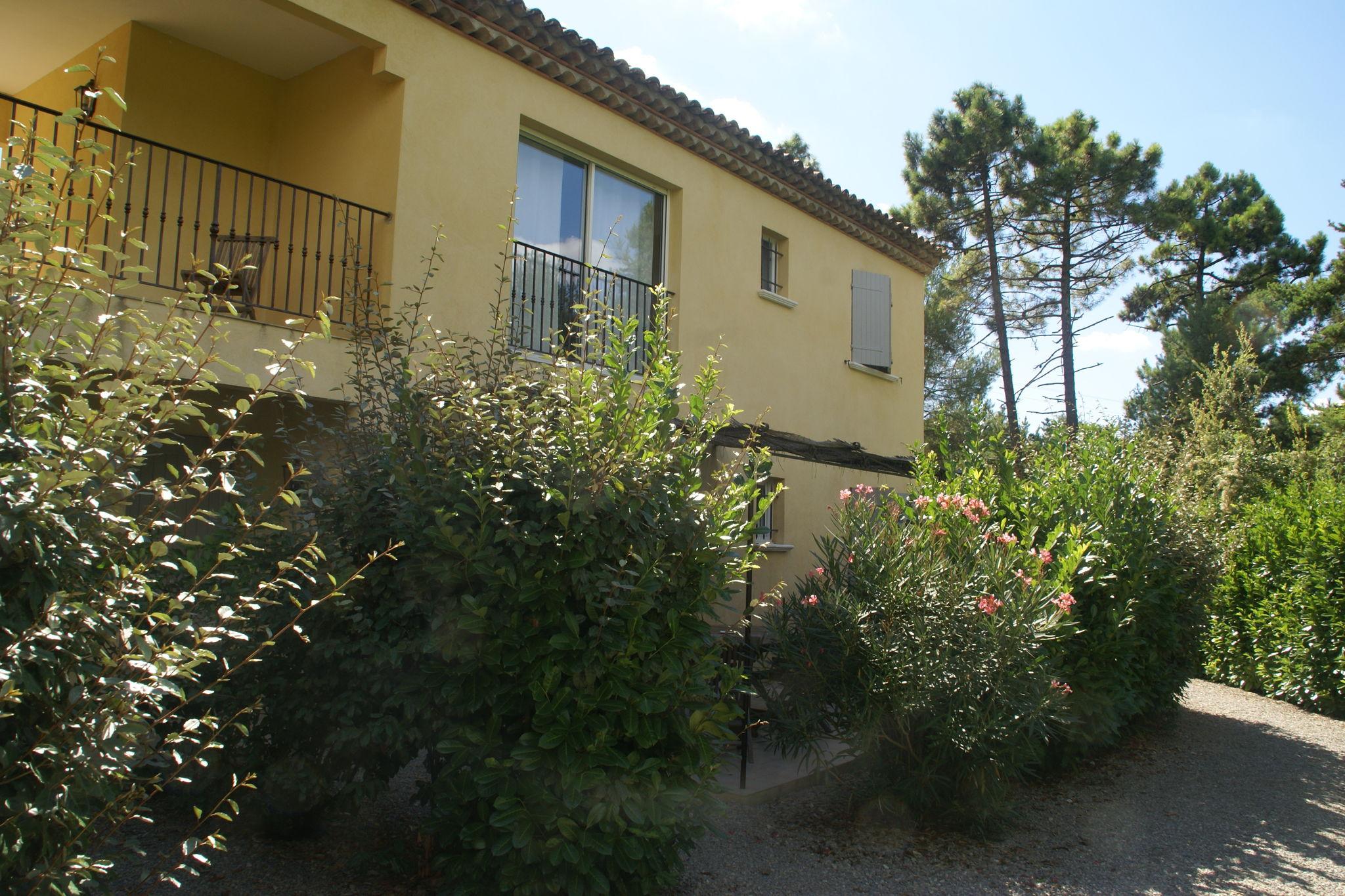 Fabelhafte Ferienwohnung mit Swimmingpool in Montauroux