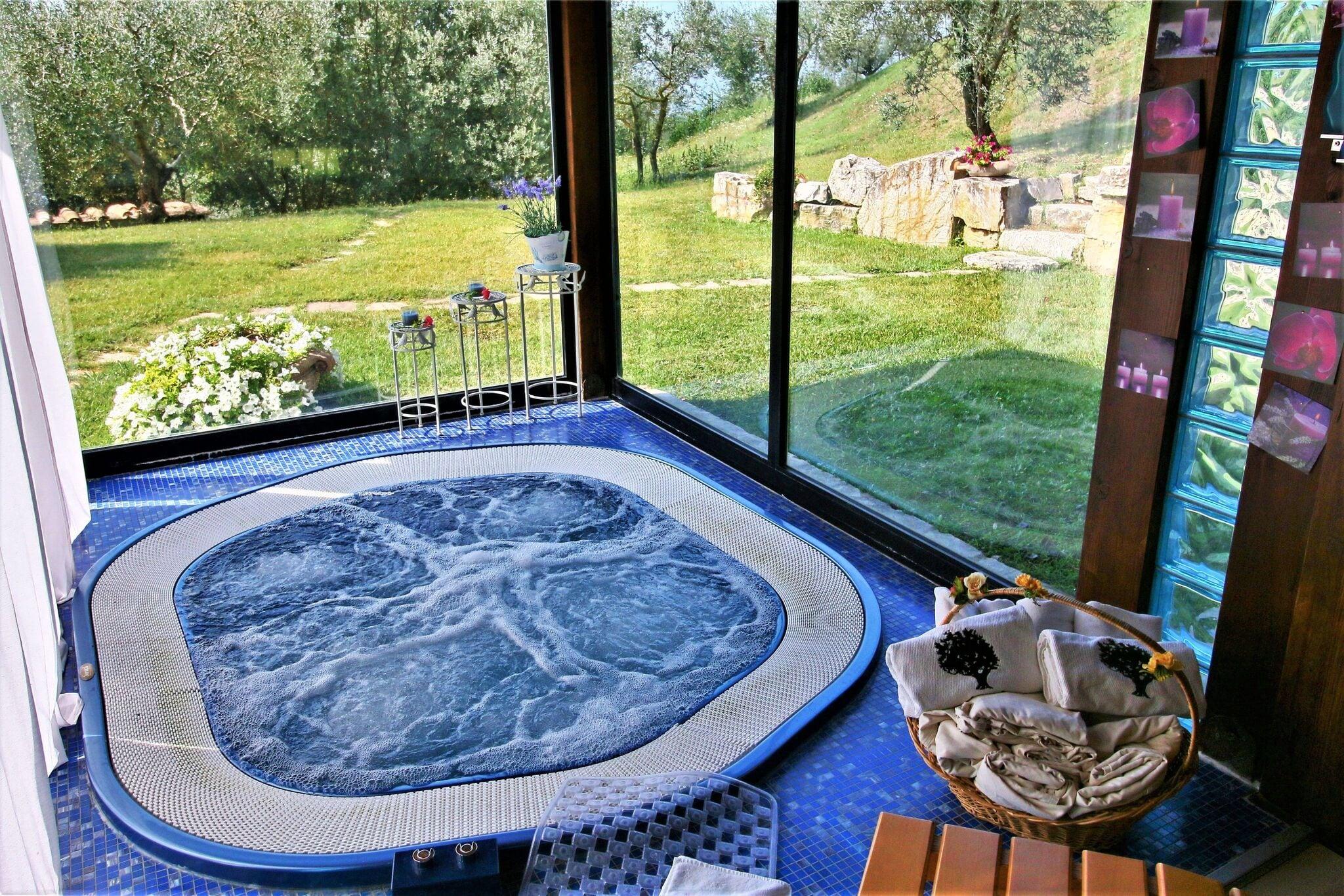 Magnifiquement maison de campagne, piscine privée, un centre de bien-être