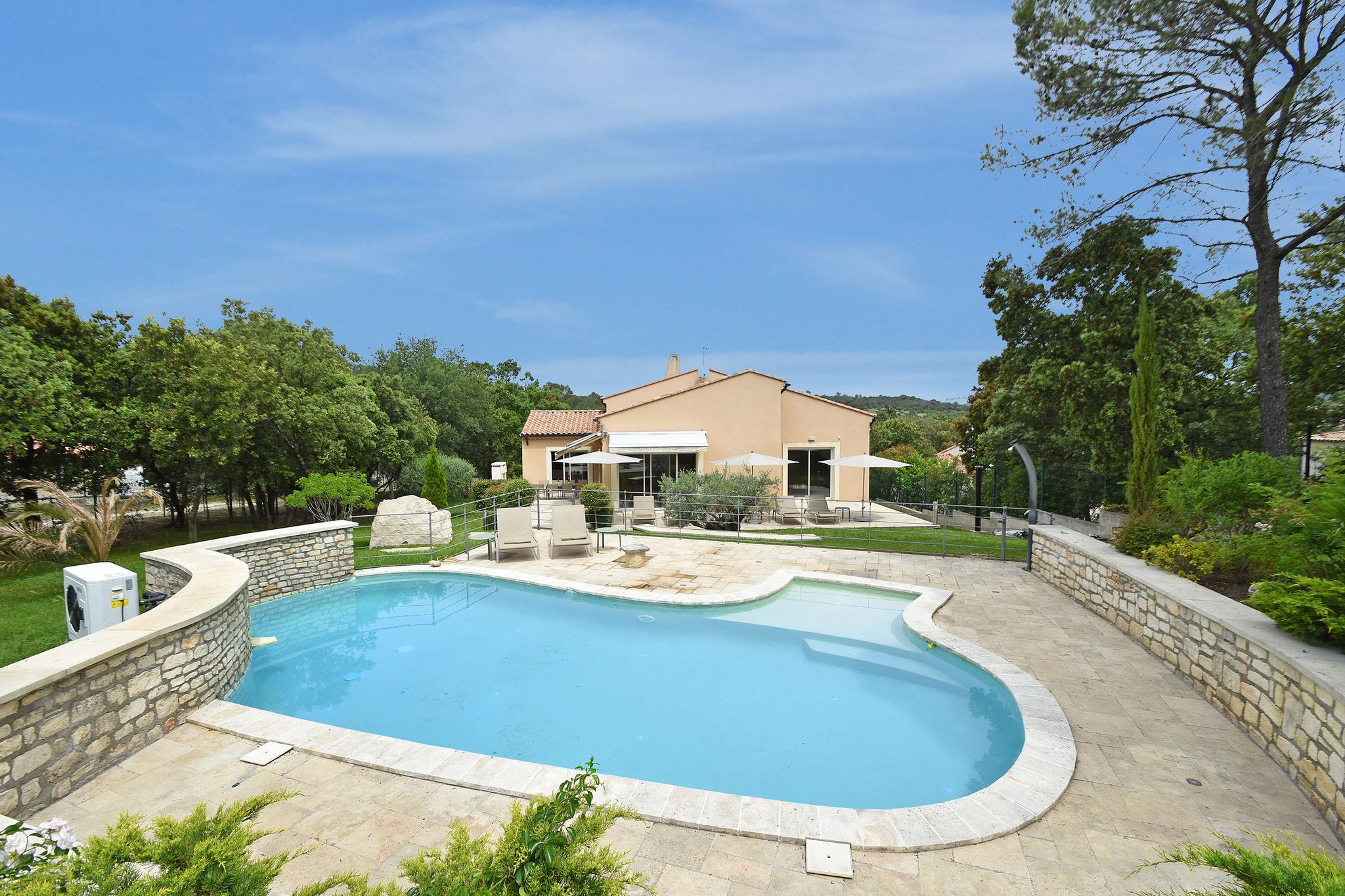 Villa  Vézénobres