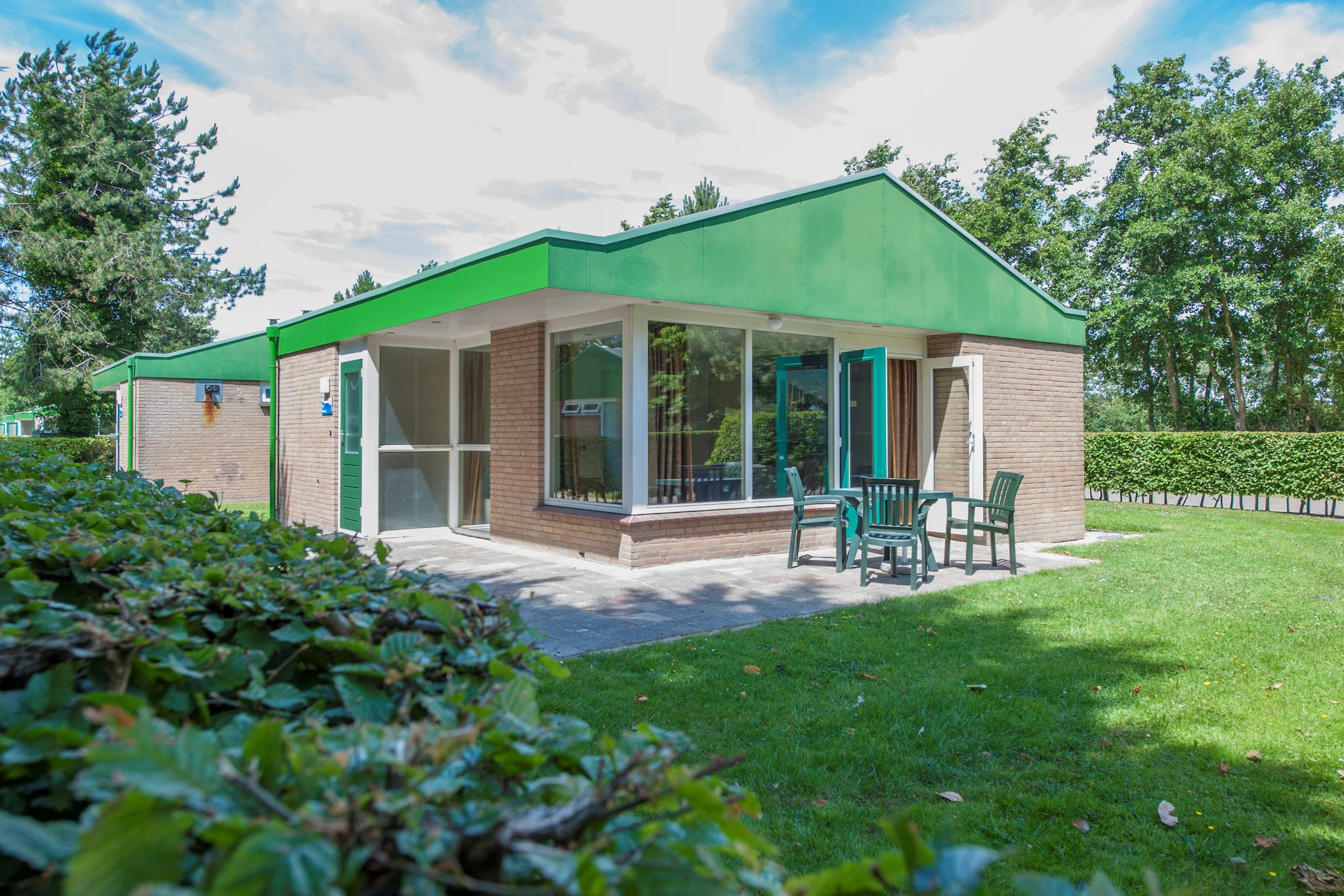 Gelijkvloerse vrijstaande bungalow 3km van Renesse en strand