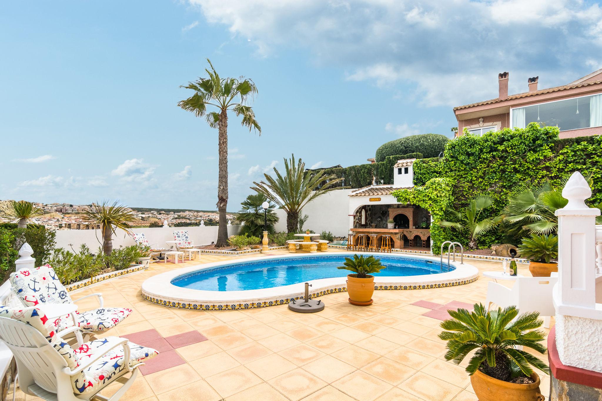 Moderne Villa mit Swimmingpool in Rojales