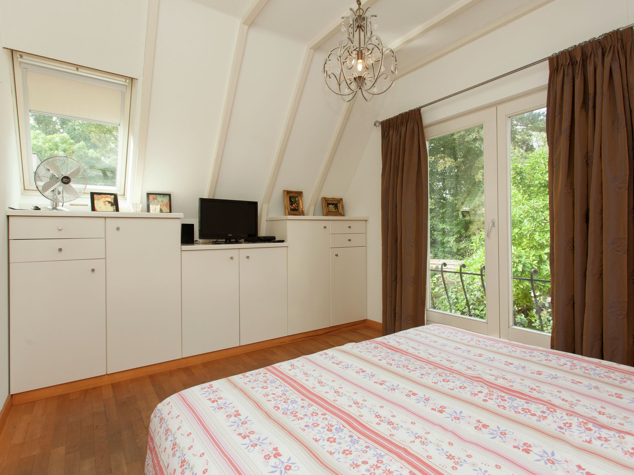 Holland | North Sea Coast North | Holiday home Rumah Grace | all year | BedRoom
