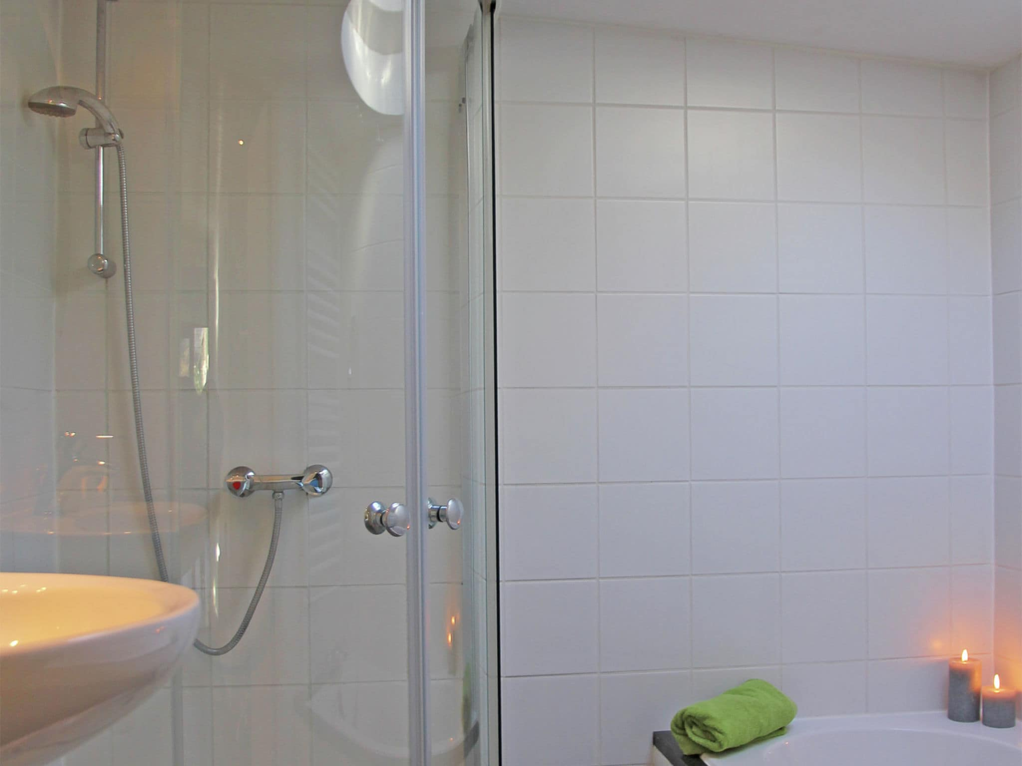 Holland | North Sea Coast North | Holiday home Het Roefje | all year | BathRoom
