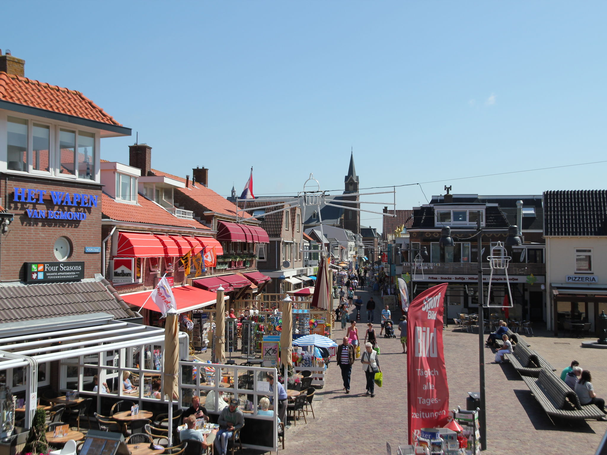 Holland | North Sea Coast North | Holiday home Egmond Centre I | all year | ExteriorSummer