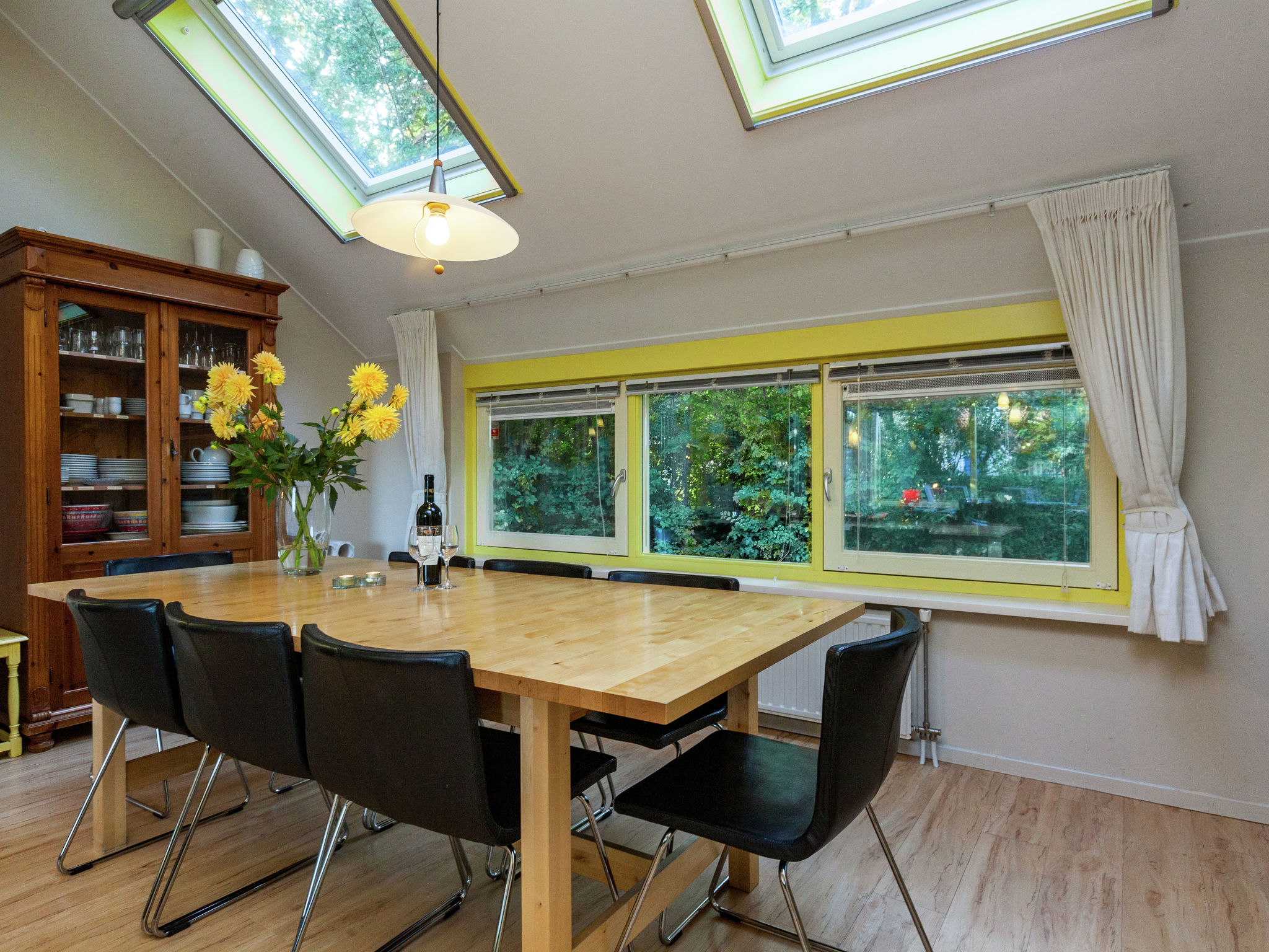 Holland | Zeeland | Holiday home Zeeuws Zeehuis | all year | DiningRoom