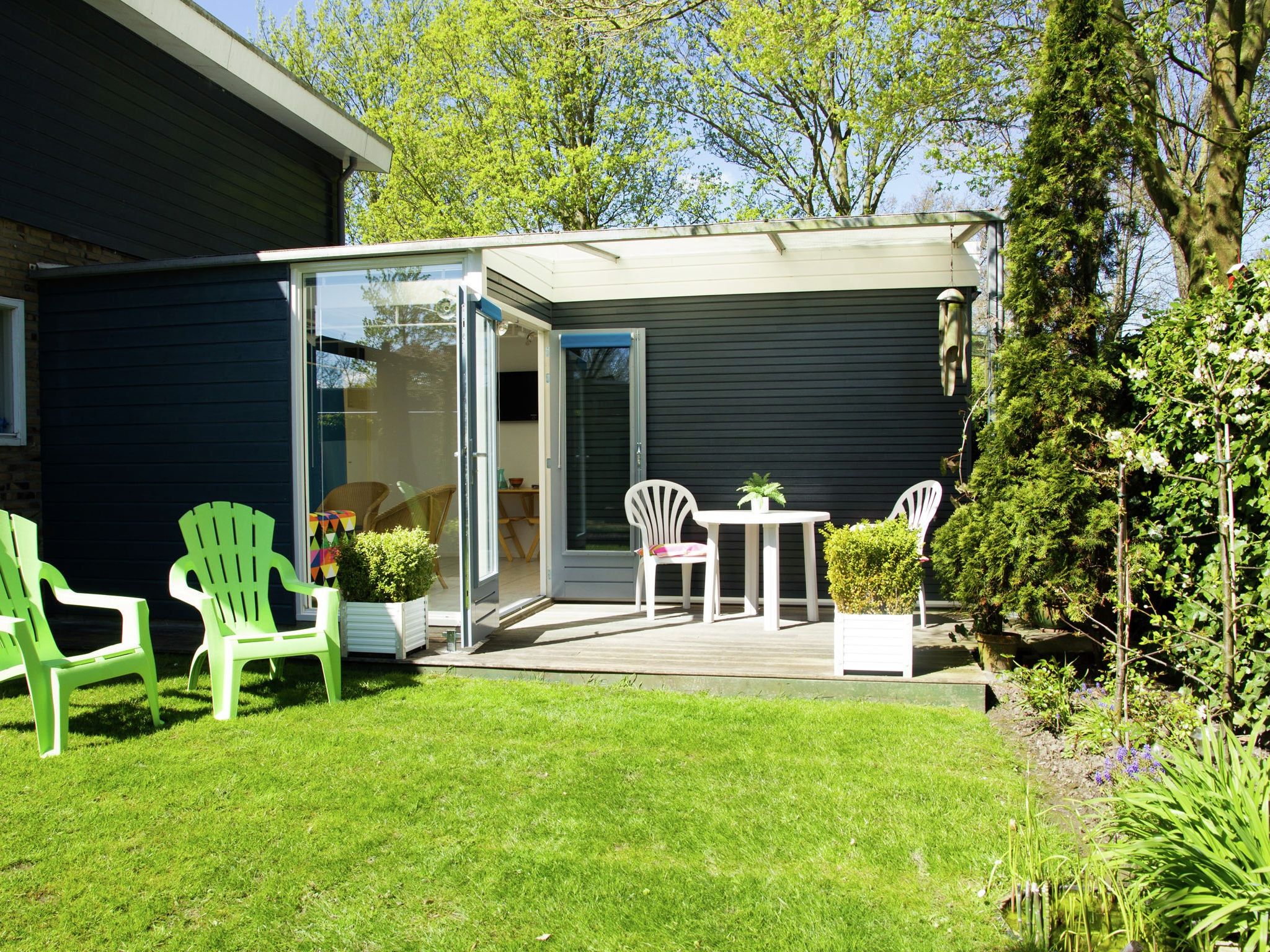 Holland | Zeeland | Holiday home 't Dolfijntje | all year | ExteriorSummer