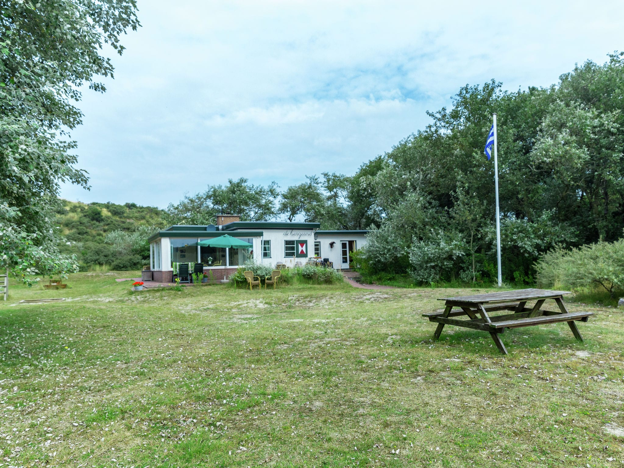 Holland | Zeeland | Holiday home Bergeend | all year | ExteriorSummer