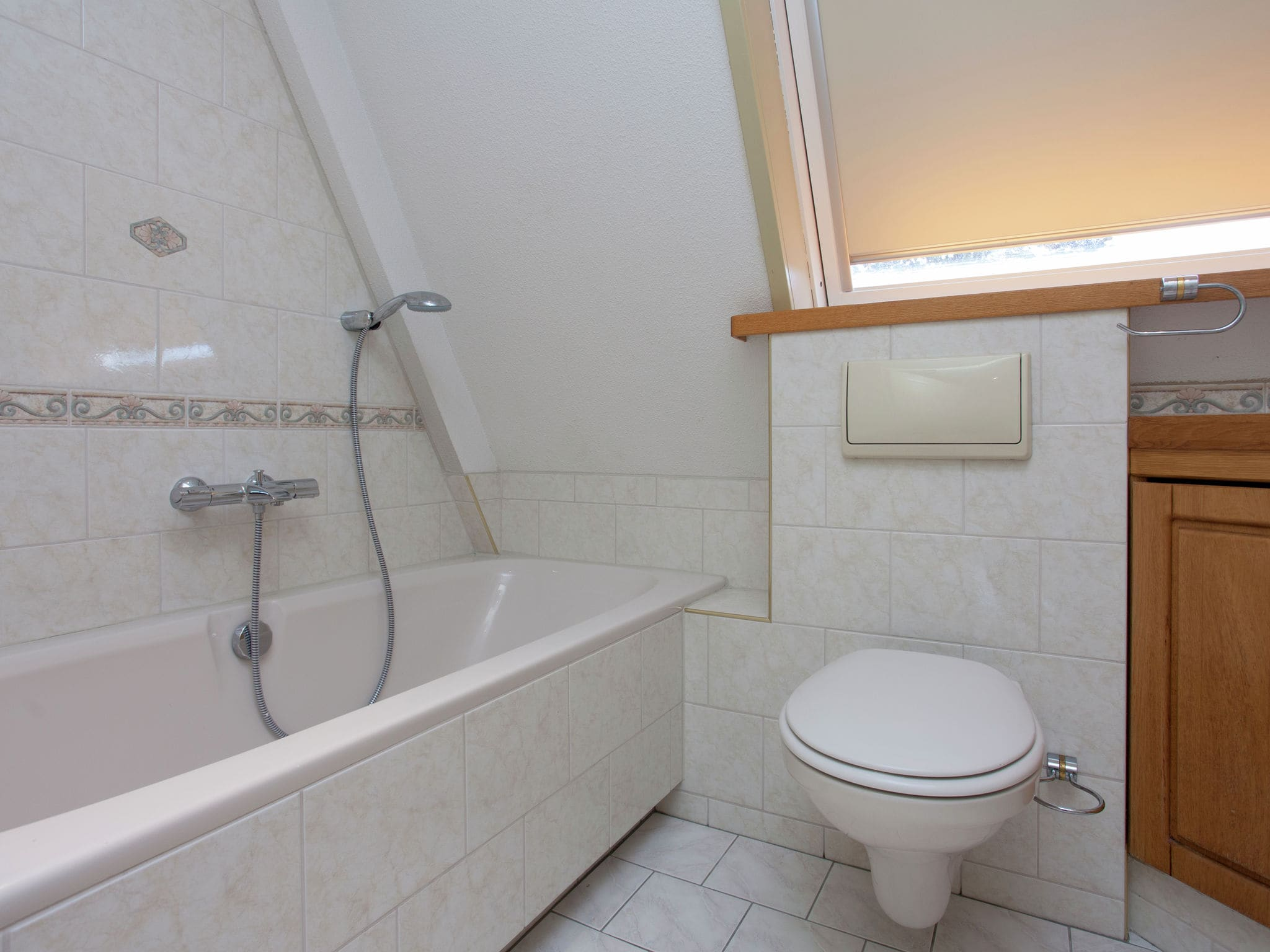 Holland | North Sea Coast South | Holiday home De Luwte | all year | BathRoom