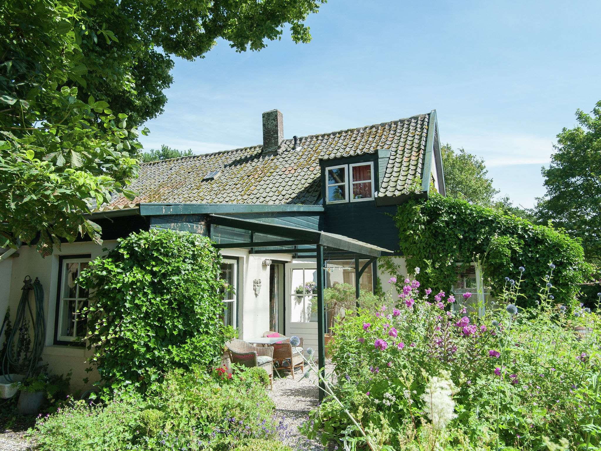 Holland | North Sea Coast North | Holiday home Het Tuinhuis | all year | GardenSummer