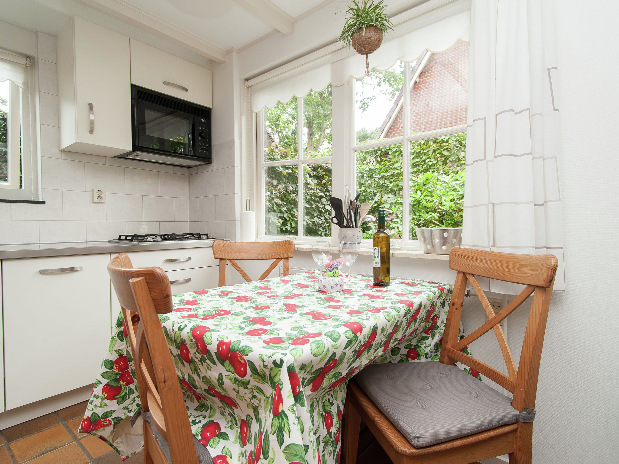 Holland | North Sea Coast North | Holiday home Castanea | all year | DiningRoom